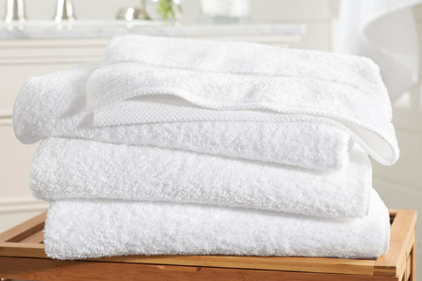 Chất liệu dệt khăn đạt chuẩn là tiêu chí quan trọng đầu tiên khi chọn mua khăn tắm khách sạn