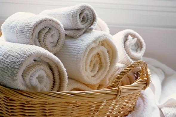 Gấp cuộn tròn khăn tắm