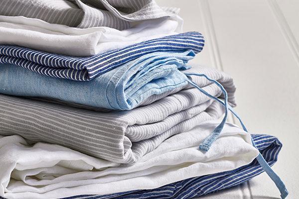 Giặt khăn khách sạn sạch, sấy khô khăn và bảo quản đúng cách