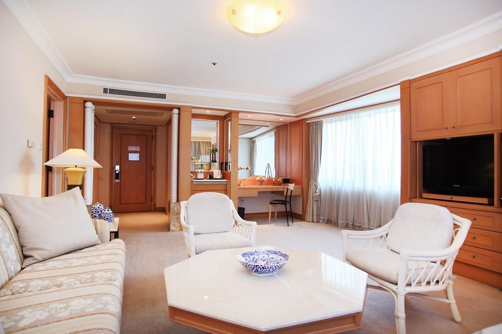 Nội thất phòng ngủ khách sạn Daewoo
