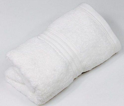 Độ mềm mịn là yếu tố quan trọng khi chọn khăn khách sạn