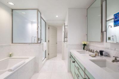 6 tips hay giúp nhân viên buồng loại bỏ ngay mùi hôi trong phòng vệ sinh của khách sạn