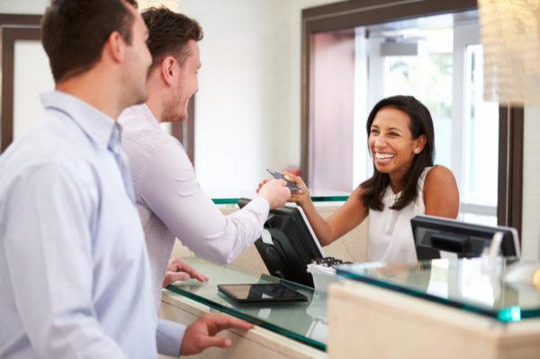 Chất lượng, giá hay dịch vụ: Điều gì tạo nên sự cạnh tranh cho khách sạn?