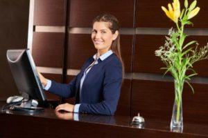 Vai trò của giao tiếp trong công việc của lễ tân khách sạn