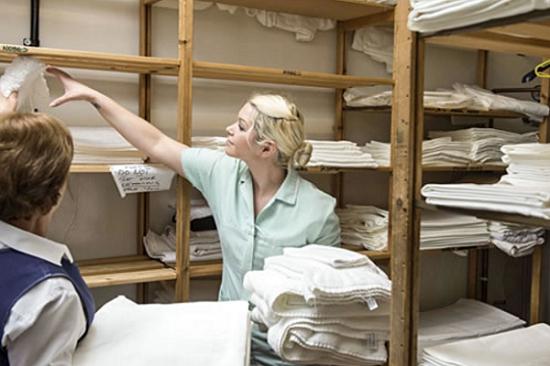 Cách thực hiện tẩy trắng và khử mùi khăn bông khách sạn khách sạn