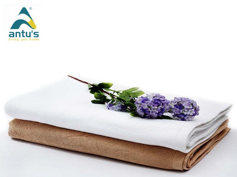 Luôn giặt khăn trước khi sử dụng để loại bỏ các hóa chất xử lý của nhà sản xuất.